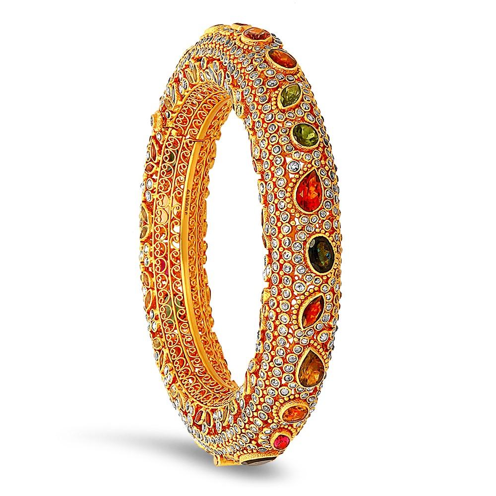 reina-villandi-gold-bangle